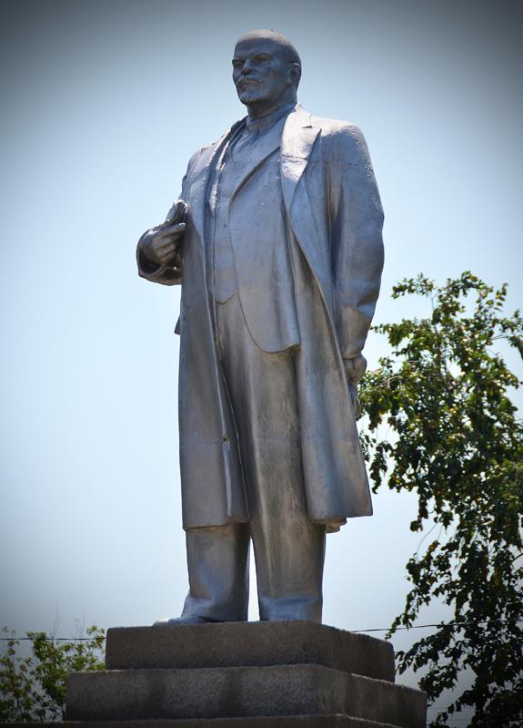 Vylkove - Lenin Statue