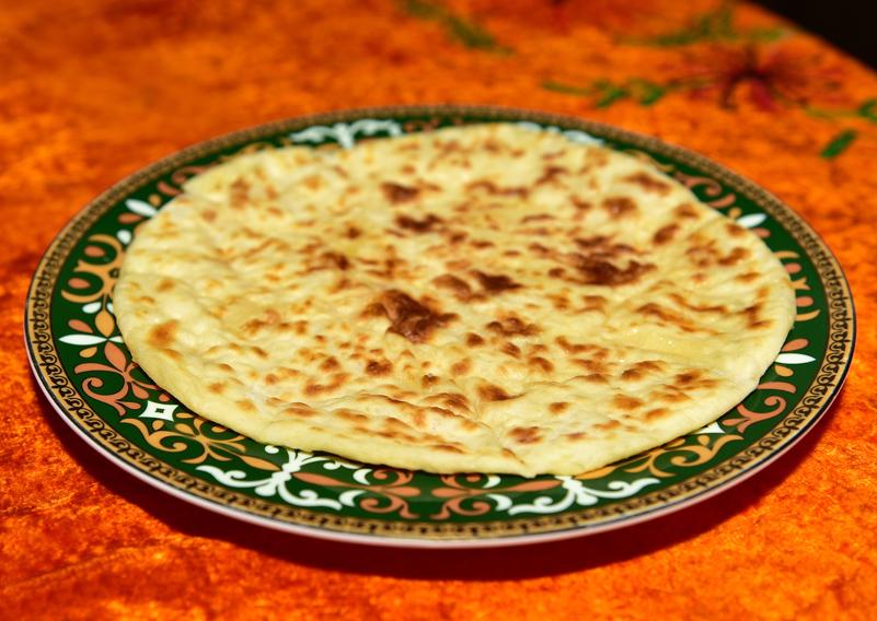 Almaty - Restaurant Zheti Kazyna - Khychin