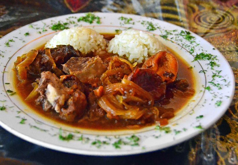 Samarkand - Restaurant Registan - Karakhan