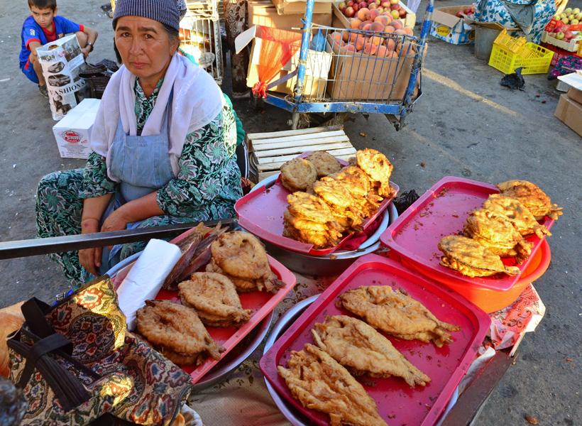 Samarkand - Siyob Bazaar - Fried Fish