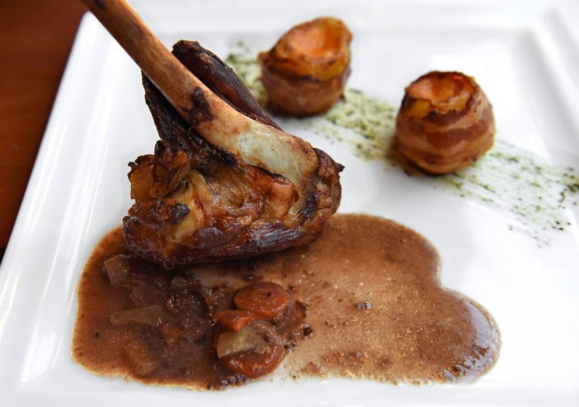 Zadar - Pet Bunara Restaurant - Lamb Shank