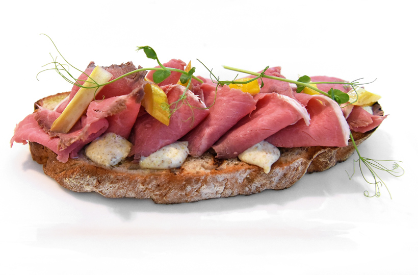 Zagreb - Dubravkin Put Restaurant - Bruschetta with Roast Beef and Yellow Zucchini