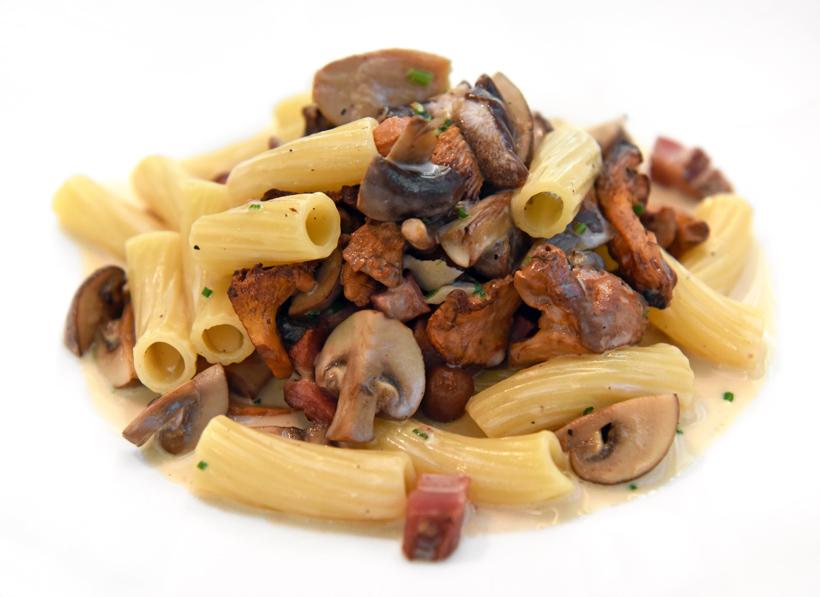 Zagreb - Dubravkin Put Restaurant - Rigatone with Pancetta and Mushrooms