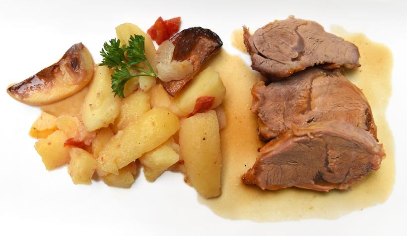 Zagreb - Vinodol Restaurant - Veal under the Bell