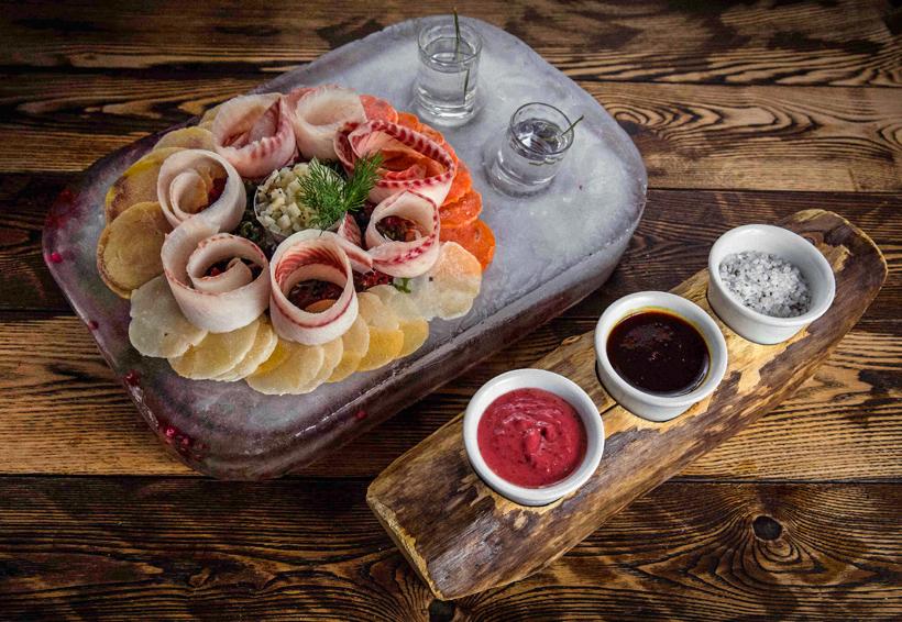 Moscow - Ekspeditsia Restaurant - Polar Barge Platter