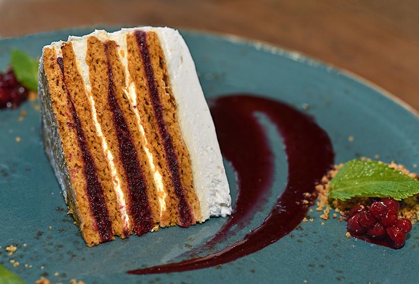 Murmansk - Lingonberry Cake